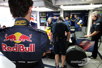 Mark Webber, Red Bull Racing, RB4 and crew members working on his RB4