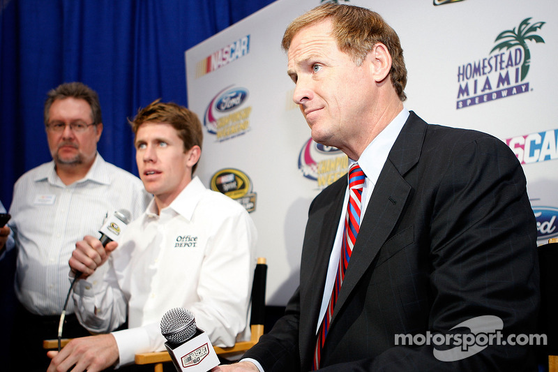 Missouri natives Rusty Wallace and Carl Edwards speak with the media after the 2008 Championship Contenders Press Conference