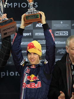 Podium: Nations Cup winner Sebastian Vettel