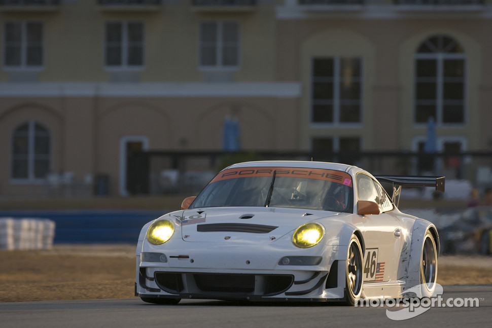 #46 Flying Lizard Motorsports Porsche 911 GT3 RSR
