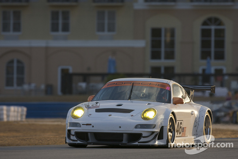 #46 Flying Lizard Motorsports Porsche 911 GT3 RSR