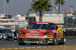 #42 Team Sahlen Corvette: Joe Nonnamaker, Wayne Nonnamaker, Will Nonnamaker, Joe Sahlen