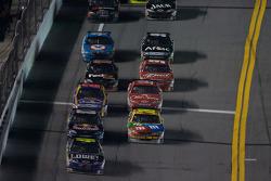 Jimmie Johnson, Hendrick Motorsports Chevrolet leads the field