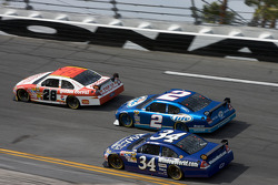 Travis Kvapil, Yates Racing Ford, Kurt Busch, Penske Racing Dodge, John Andretti, Earnhardt Ganassi Racing Chevrolet