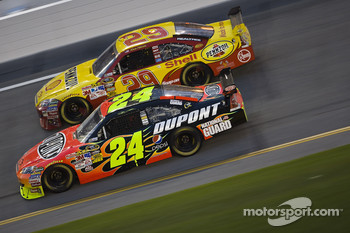 Jeff Gordon, Hendrick Motorsports Chevrolet, Kevin Harvick, Richard Childress Racing Chevrolet