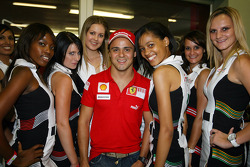 Felipe Massa with the grid girls