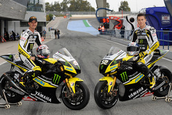 Colin Edwards and James Toseland with their Yamaha YZR-M1
