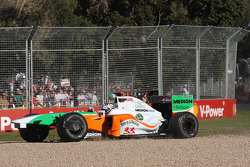 Adrian Sutil, Force India F1 Team with the front wing breaking off his car