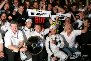 Ross Brawn Team Principal, Brawn GP, Jenson Button, Brawn GP, Nick Fry, Brawn GP, Chief Executive Officer, Rubens Barrichello, Brawn GP, Sir Richard Branson, Virgin Group CEO