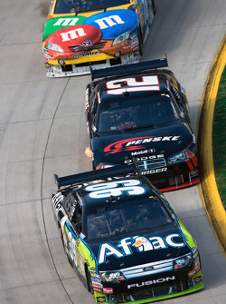 Carl Edwards, Roush Fenway Racing Ford, David Stremme, Penske Racing Dodge, Kyle Busch, Joe Gibbs Racing Toyota