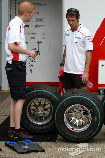 Jarno Trulli, Toyota Racing looks at Bridestone tyres