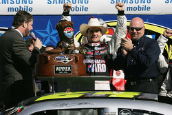 Victory lane: race winner Jeff Gordon, Hendrick Motorsports Chevrolet, celebrates