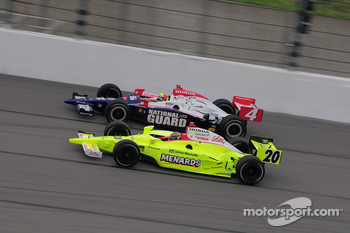 Dan Wheldon, Panther Racing and Ed Carpenter, Vision Racing run together
