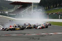 The start, #19 Mofaz Fortec Motorsport: Fairuz Fauzy, #16 Interwetten.com: Adrian Zaugg
