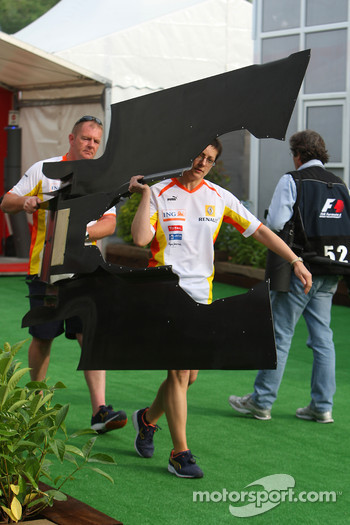 Renault mechanics with an underbody part