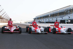 Dario Franchitti, Target Chip Ganassi Racing, Ryan Brisoce, Team Penske, Helio Castroneves, Team Penske
