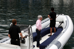 Bernie Ecclestone on his way to the FOTA meeting on the boat of Flavio Briatore, Renault F1 Team, Team Chief, Managing Director