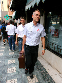 Martin Whitmarsh, McLaren, Chief Executive Officer goes to the meeting with Bernie Ecclestone and Max Mosley at the ACM.
