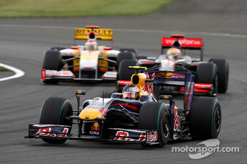Sebastian Vettel, Red Bull Racing leads Lewis Hamilton, McLaren Mercedes and Fernando Alonso, Renault F1 Team