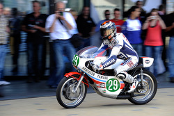 Jorge Lorenzo, Fiat Yamaha Team on Jarno Saarinen's 1970s MotoGP bike