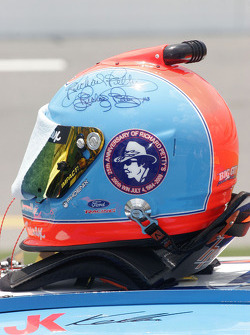 Tribute to Richard Petty on the helmet of Jason Keller