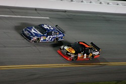 Reed Sorenson, Richard Petty Motorsports Dodge, Martin Truex Jr., Earnhardt Ganassi Racing Chevrolet