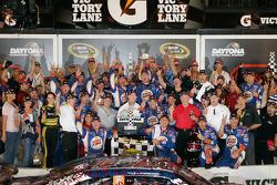 Victory lane: race winner Tony Stewart, Stewart-Haas Racing Chevrolet celebrates