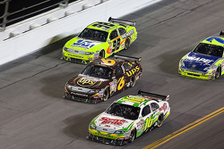 Greg Biffle, Roush Fenway Racing Ford, David Ragan, Roush Fenway Racing Ford, Paul Menard, Yates Racing Ford