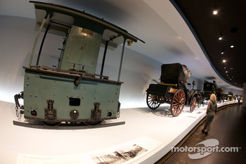 The pionners and the invention of the automobile: 1893 Daimler motorized locomotive