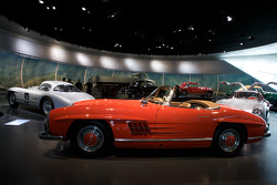 Post-war miracle: 1962 Mercedes-Benz 300 SL roadster