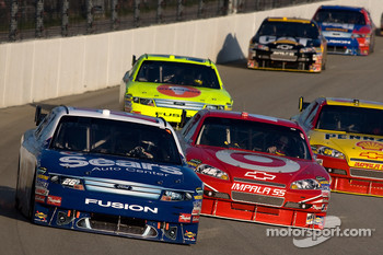 Jamie McMurray, Roush Fenway Racing Ford and Juan Pablo Montoya, Earnhardt Ganassi Racing Chevrolet