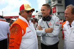 Vijay Mallya Force India F1 Team Owner and Martin Whitmarsh, McLaren, Chief Executive Officer