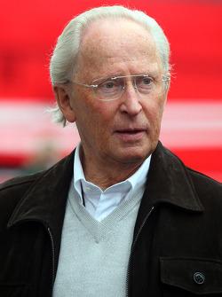 Prof. Jurgen Hubbert, Board of Management Daimler