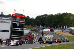 Andy Soucek leads Robert Wickens at the start