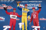Podium: race winner Will Power, Team Penske, second place Helio Castroneves, Team Penske, third place Scott Dixon, Target Chip Ganassi Racing