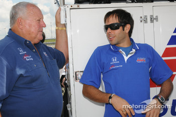 A.J. Foyt talking with Vitor Meira