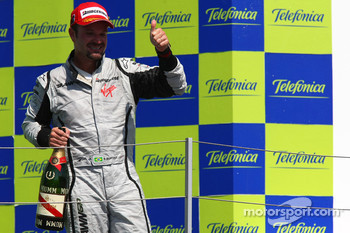 Podium: race winner Rubens Barrichello, BrawnGP