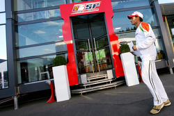 Giancarlo Fisichella, Force India F1 Team in front of the Ferrari motorhome
