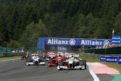 Race Start, Giancarlo Fisichella, Force India F1 Team, Kimi Raikkonen, Scuderia Ferrari