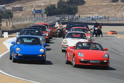 Porsche owners club parade