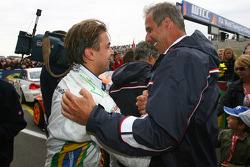 Augusto Farfus, BMW Team Germany, BMW 320si and Dr. Klaus Draeger