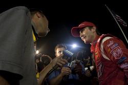 Victory lane: race winner Kasey Kahne, Richard Petty Motorsports Dodge