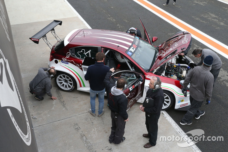 tcr-valencia-march-testing-2016-alfa-rom