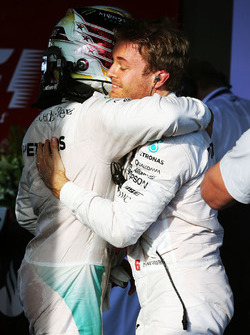 Race winner Nico Rosberg, Mercedes AMG F1 in parc ferme with team mate Lewis Hamilton, Mercedes AMG F1 Team