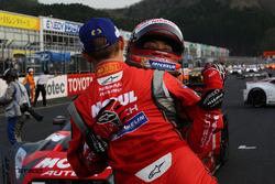 GT500クラスで優勝した#1 MOTUL AUTECH GT-Rのロニー・クインタレッリと松田次生