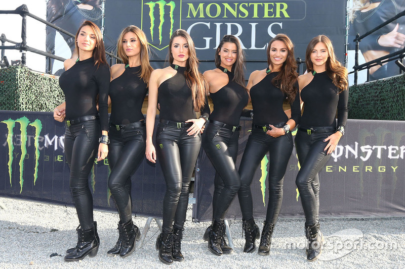 de charmantes monster energy girls gp de france photos motogp. Black Bedroom Furniture Sets. Home Design Ideas