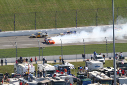 Joey Logano, Joe Gibbs Racing Toyota spins