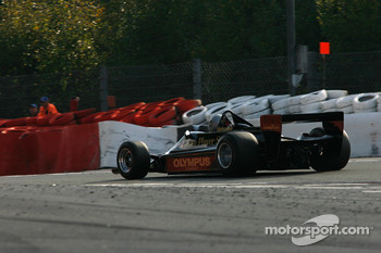 #5 Chris Locke Lotus 79