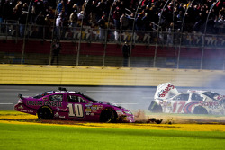 Ricky Stenhouse Jr. and Reed Sorenson crash