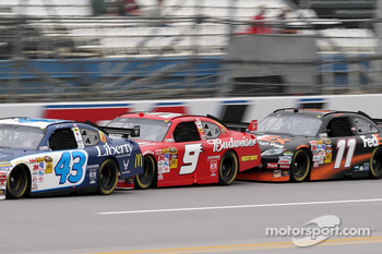 Reed Sorenson, Richard Petty Motorsports Dodge, Kasey Kahne, Richard Petty Motorsports Dodge, Denny Hamlin, Joe Gibbs Racing Toyota